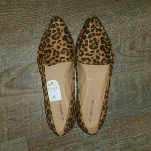 NWT Time and Tru Leopard Cheetah Loafers Flats 6